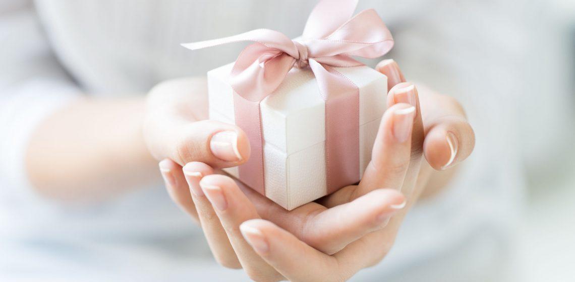 Hilfe Schenken Geschenk Present Sparen Zero Waste Blog Hausmittelchen